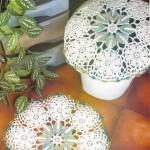 çiçek motifli tığ işi klozet takımı