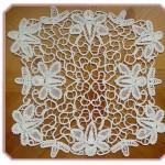 çiçekli kare dantel anglez örtü modeli