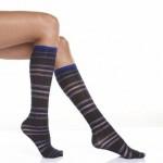 çizgili lacivert diz altı çorap modeli