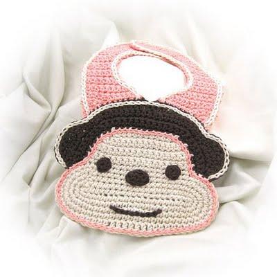 ayıcık desenli bebek önlük modeli