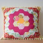 bal petekli pembe patchwork yastık modeli