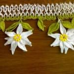 beyaz çiçekli mekik oyası örneği
