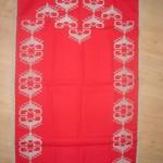 beyaz işlemeli kırmızı etamin işi seccade