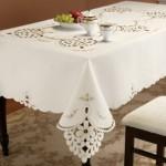 beyaz işli masa örtüsü modeli