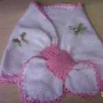 beyaz pembe renkli bebek pelerin modeli