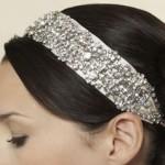 beyaz taşlarla süslenmiş saç bandı modeli