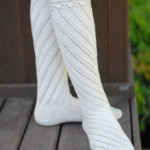 beyaz uzun el rögüsü çorap modeli