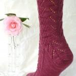 bordo uzun el örgüsü çorap modeli