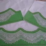 gül motifli dantel yeşil karyola takımı modeli