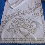 gir kalp desenli pullu havlu kenarı modeli