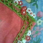 kırmızı çiçekli halkalı oya örneği