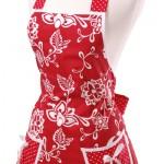 kırmızı beyaz desenli cepli mutfak önlük modeli