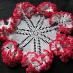 kırmızı fırfırlı komidin danteli modeli