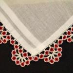 kırmızı küçük çiçek boncuklu tülbent oyası örneği