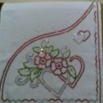 kırmızı kalpli pullu havlu kenarı modeli