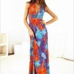 kırmızı mavi çiçekli uzun elbise modeli