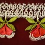 kırmızı mekik oyası tülbent kenarı modeli