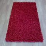 kırmızı shaggy halı modeli