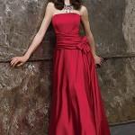 kırmızı uzun bayan elbise modeli