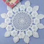 kabarık çiçekli gümüşlük dantel örneği