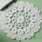 kabarık çiçekli motifli dantel örtü modeli