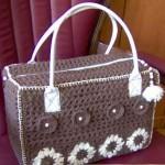 kahverengi çiçek desenli tığ işi çanta modeli