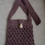 kahverengi düğmeli tığ işi örgü çanta modeli