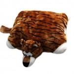 kaplan desenli peluş yastık modeli