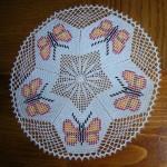 kelebek desenli buncuklu çeyizlik dantel modeli