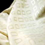 krem rengi kare desenli döşemelik kumaş modeli