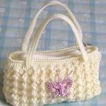 krem rengi kelebek figürlü tığ işi çanta modeli