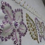 lila renkli pullu havlu kenarı modeli