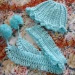 mavi bereli ponponlu bebek atkısı modeli