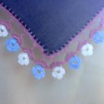 mavi beyaz çiçekli yazma oyası modeli