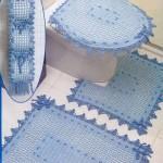 mavi tığ işi klozet takımı modeli