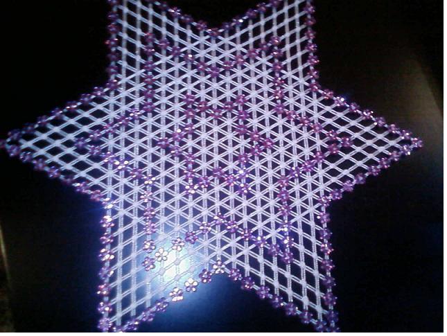 mor yıldız desenli kasnak işi örtü modeli
