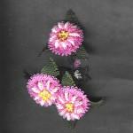 pembe çiçekli iğne oyası yazma oyası modeli