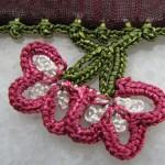 pembe çiçekli yazma oyası modeli