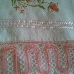 pembe beyaz firkete havlu kenarı modeli