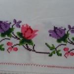 pembe mor çiçekli kaneviçe örneği