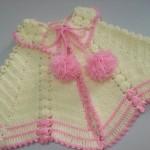 pembe ponponlu bebek pelerin modeli