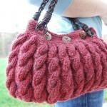 pembe renkli saç örgü çanta modeli