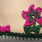 pembe yelpaze çiçekli yemeni oyası modeli