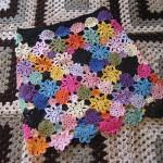 rengarenk çiçek motifli örgü etek modeli
