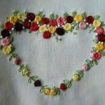 rengarenk kalp motifli brezilya nakışı örneği