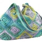 rengarenk motifli tığ işi örgü çanta modeli