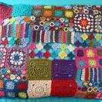rengarenk desenli patcwork yastık modeli