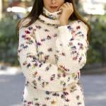 rengarenk puantiyeli boğazlı bayan kazak modeli