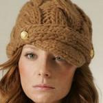 saç örgü düğmeli bayan şapka
