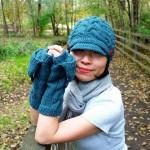 saç örgü kep şeklinde bayan şapka ve eldiven modeli
